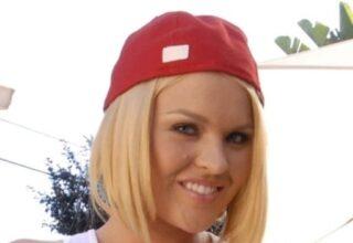 Krissy Lynn (M)